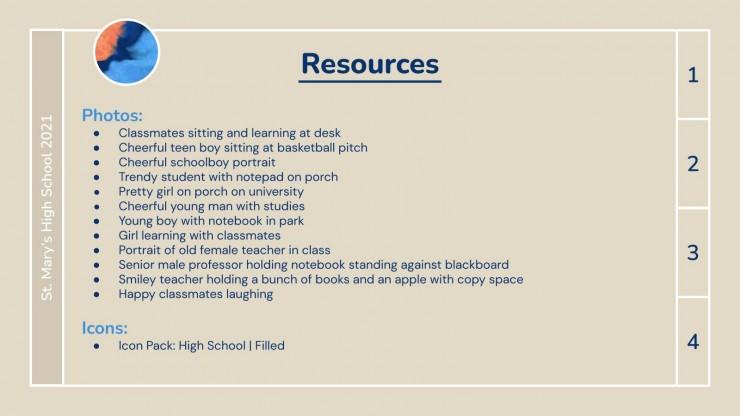 Abstraktes High School Jahrbuch Präsentationsvorlage