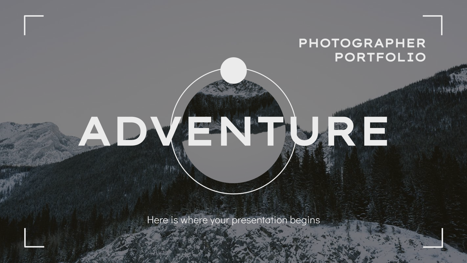 Plantilla de presentación Portafolio de fotógrafo aventurero